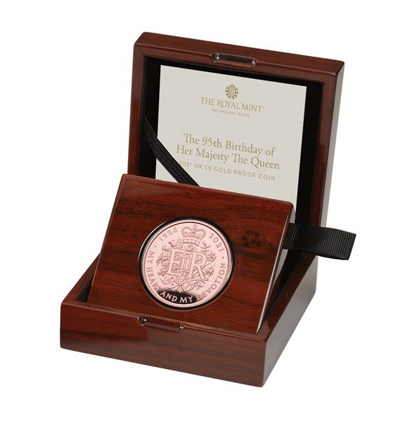The 95th Birthday of Her Majesty the Queen 2021 £5 Gold Proof Coin